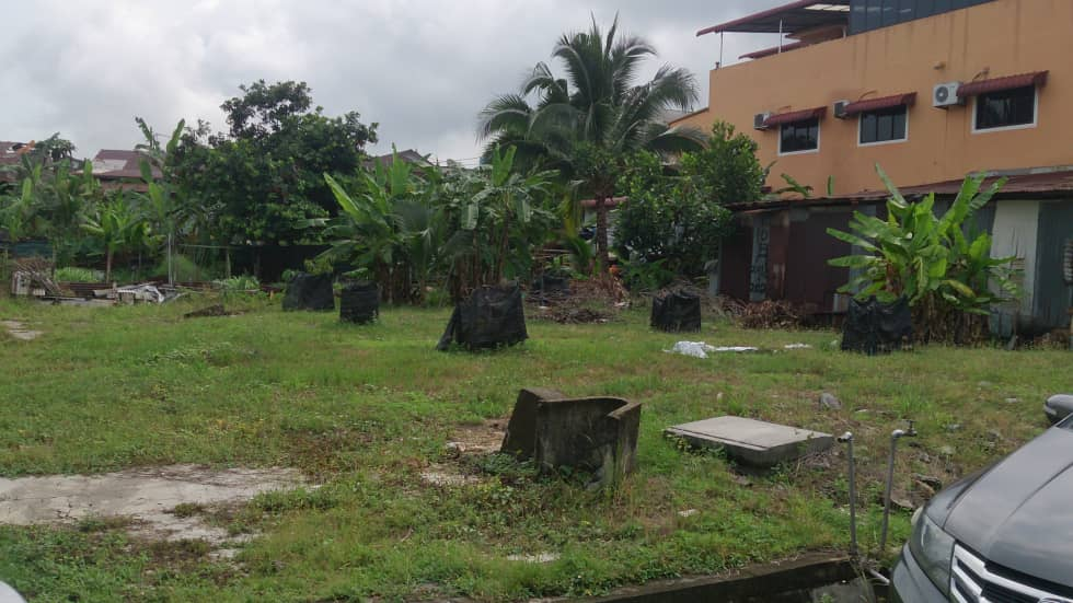 Land lots with not a single standing structure, yet home to 2 voters